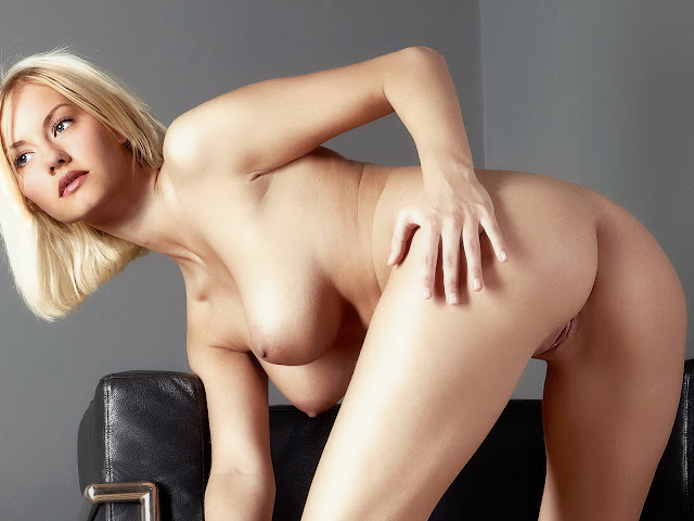 Elisha Cuthbert Nude Doggystyle Naked Spread Legs