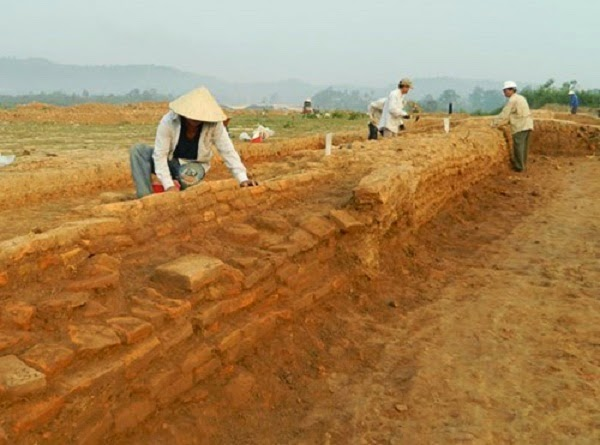 Cham relics, prayer rooms discovered at construction site in Vietnam