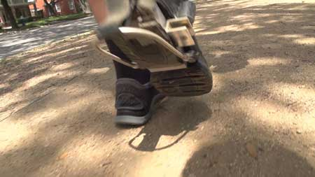 حذاء الشارجور ....