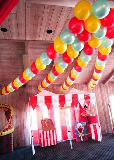 Fun 39 n 39 frolic 5 diy balloon decoration ideas without helium for Balloon and streamer decoration ideas