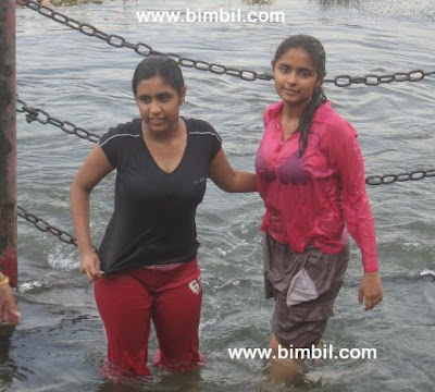 Mallu Girls Enjoing at Veegaland Water amusement park near cochin