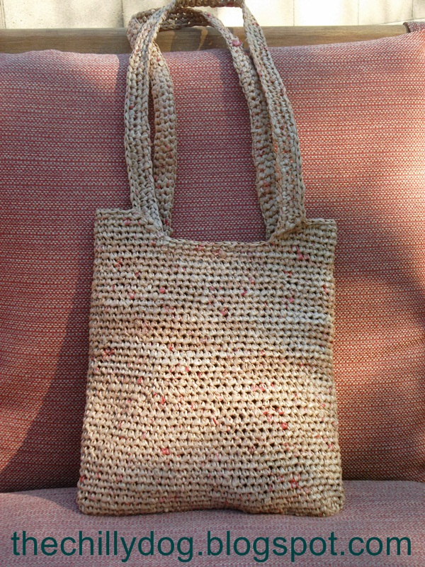 The Chilly Dog: Perfectly Plarn Purse
