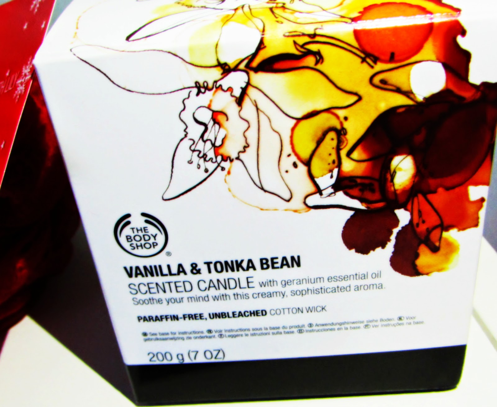 Vanilla and tonka bean scented candle by Body Shop