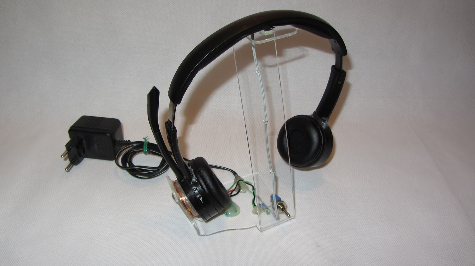 Do it yourself gadgets homemade wireless headphone charging station solutioingenieria Images