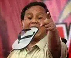 Prabowo Makan Sendal Jepit