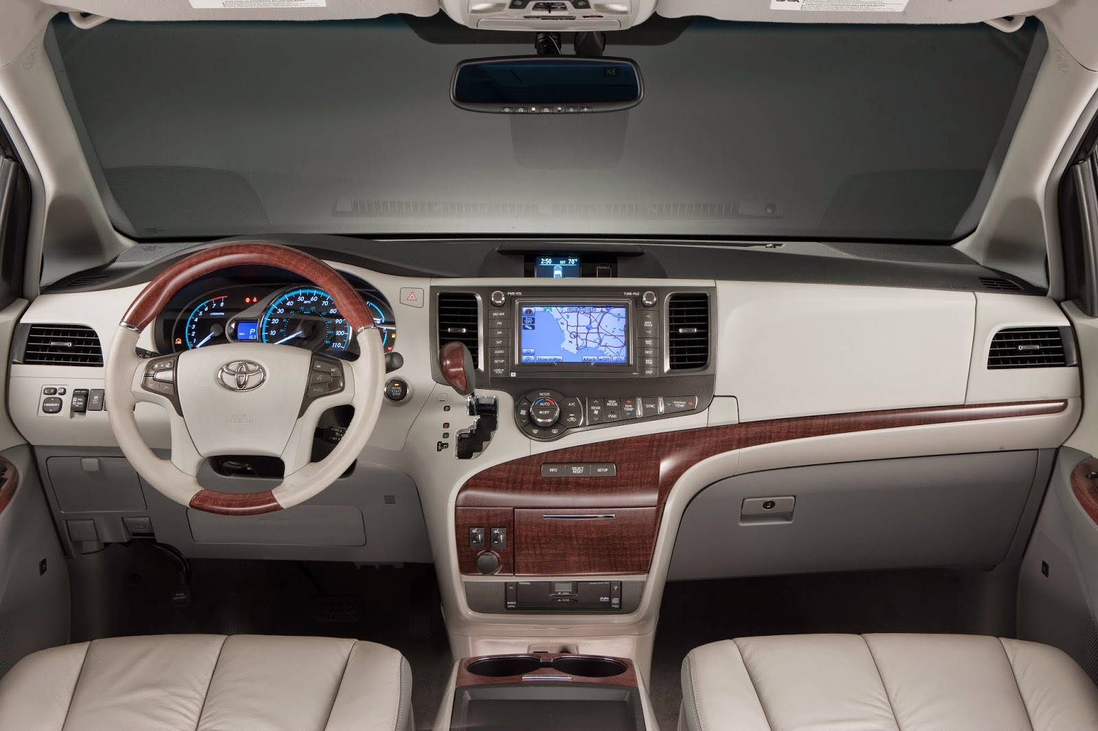 Interior view of 2014 Toyota Sienna Limited