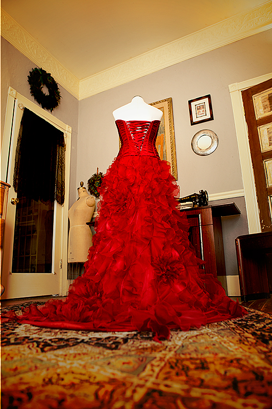 offbeat bride red