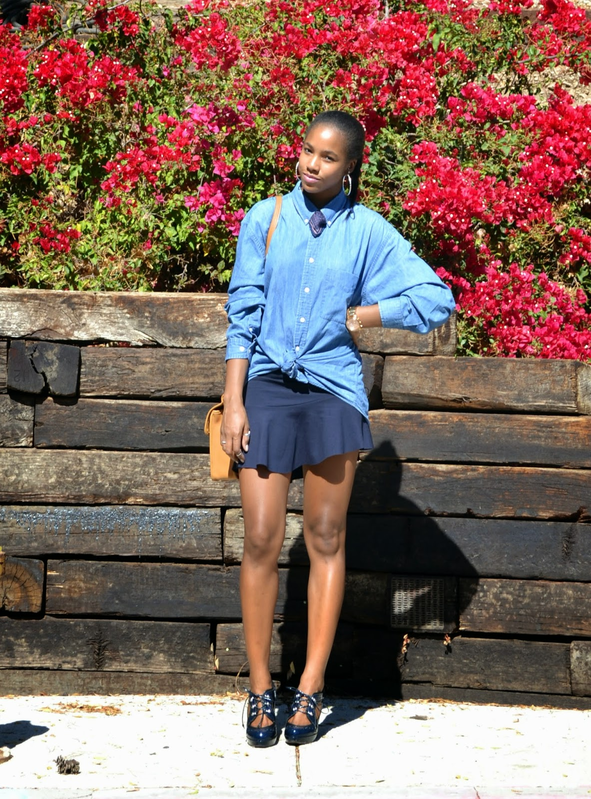 how to wear a mens chambray button down