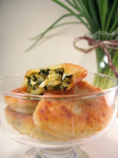 Пирожки творожные с зеленым луком