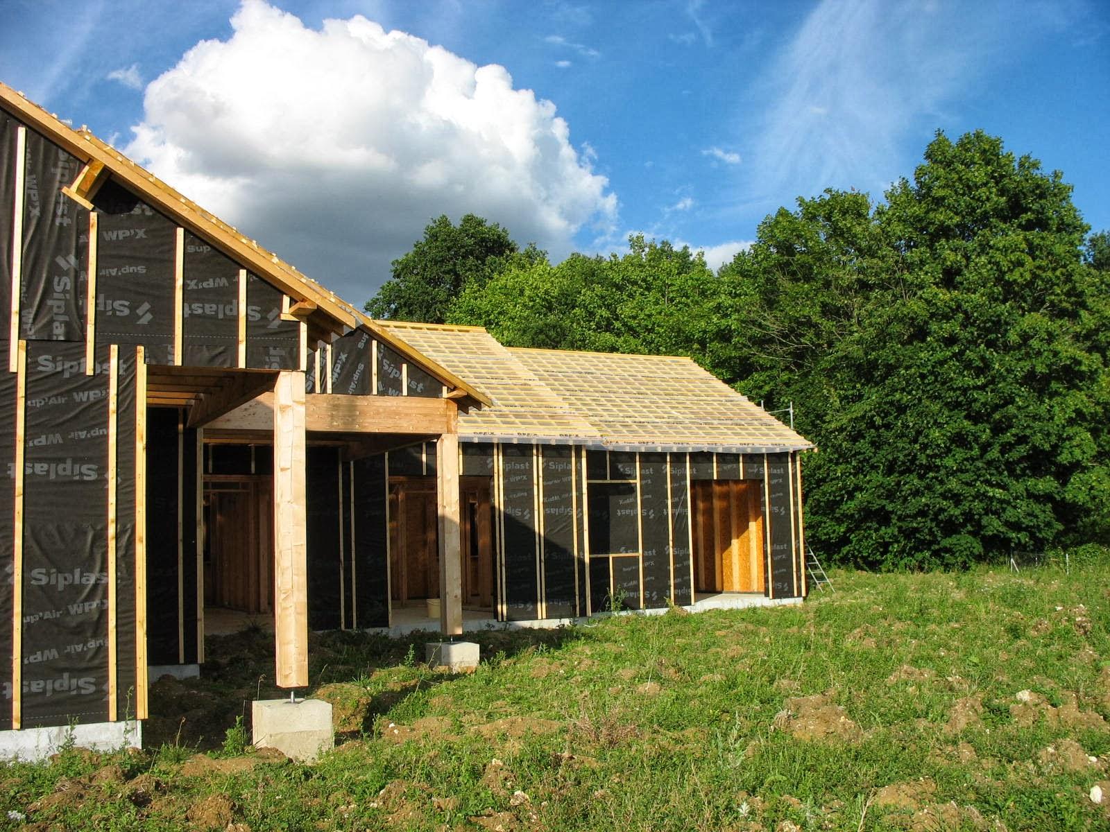 Construire sa maison en bois le litonage le pare pluie toiture murs for Construire sa maison bois