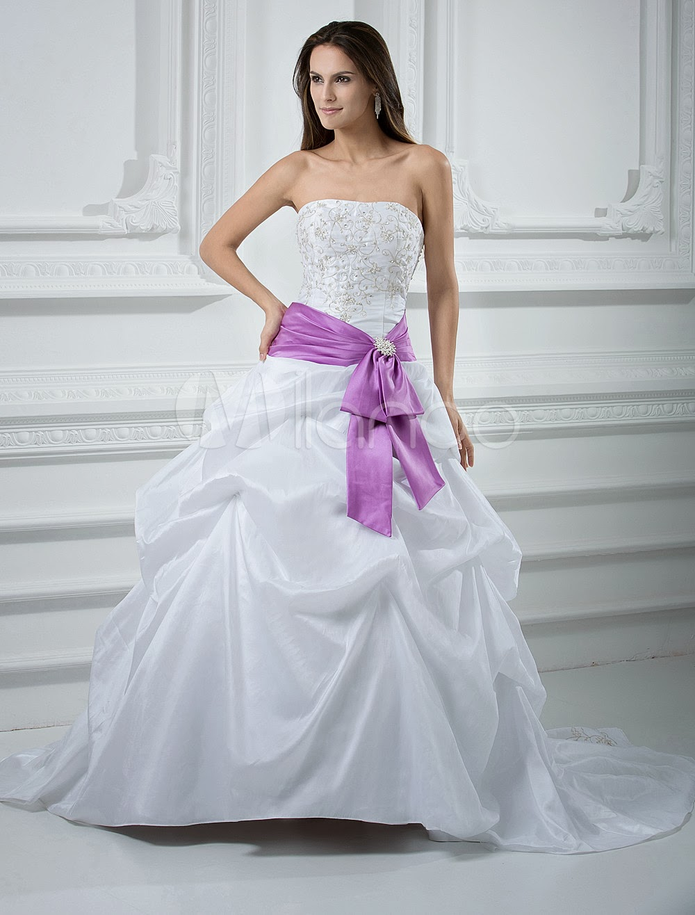 China Wholesale Dresses - Fashion Ball Gown Strapless Beading Taffeta Wedding Dress With Sash