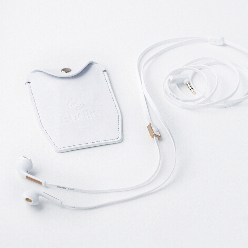 Sudio Två white and gold earphones