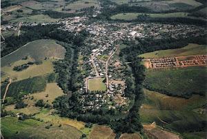 Cidade e rio Ubazinho