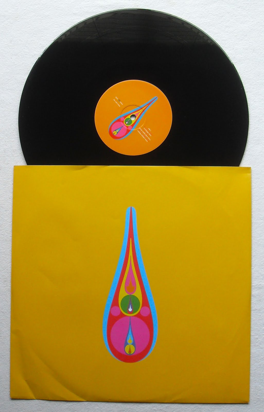 http://4.bp.blogspot.com/-0q9tlMIAyxc/TgNXjuqiytI/AAAAAAAAEiM/cnKxygbMbNU/s1600/BJORK+Voltaic+2009+LImited+Edition+Double+Vinyl+DVD+CD+Box+Set+LP+Record+Album+B.JPG