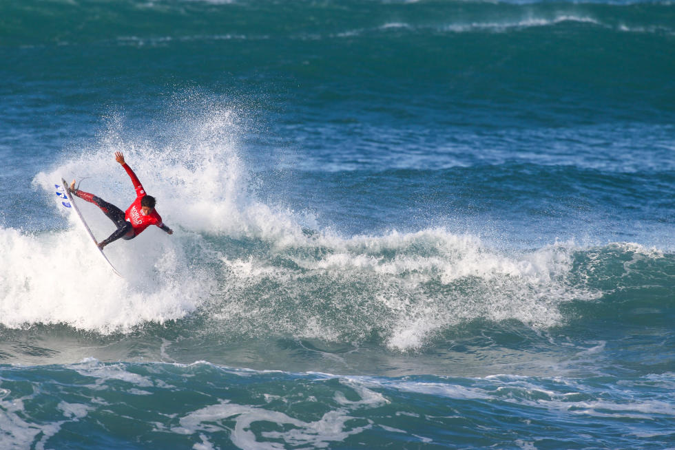6 Kanoa Igarashi Ericeira World Junior Championships Foto WSL Poullenot Aquashot