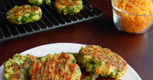 Confessions of a Confectionista: Baked Broccoli & Cheese Patties