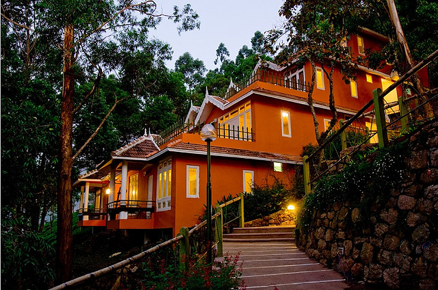 book your hotel in munnar