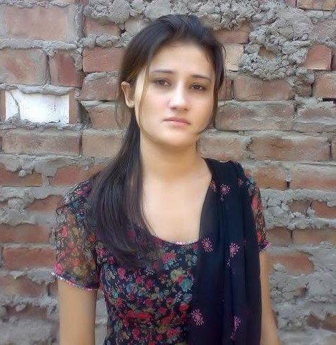 Sexi necked india girls