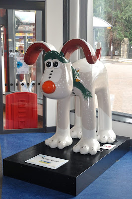 Snow Gromit (side view)