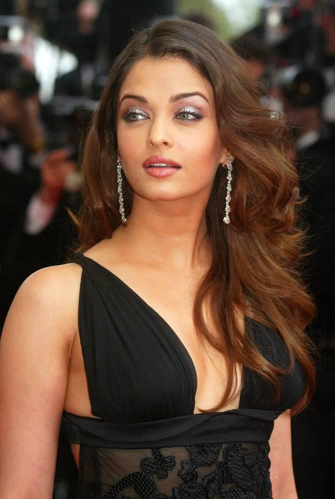 Bollywood Stars Dhoom: aishwarya rai feet | aishwarya rai pregnant