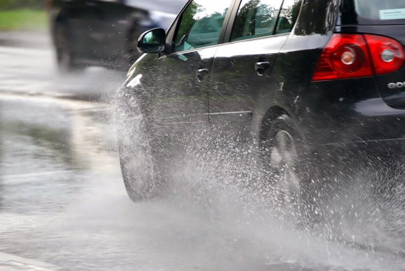 การดูแลรถยนต์ในหน้าฝน