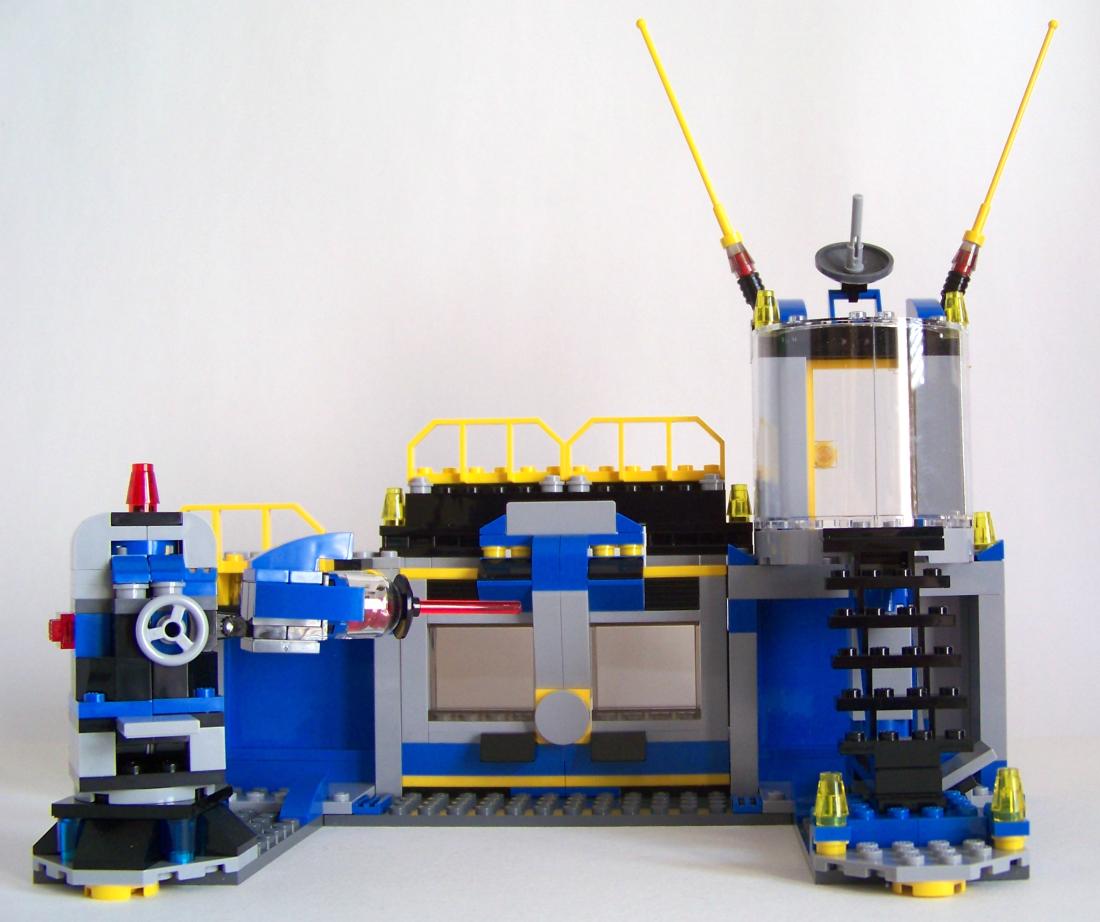 LEGO Marvel Villain labs