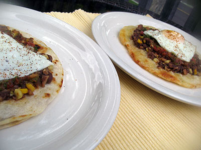 Huevos Rancheros Con Frijoles