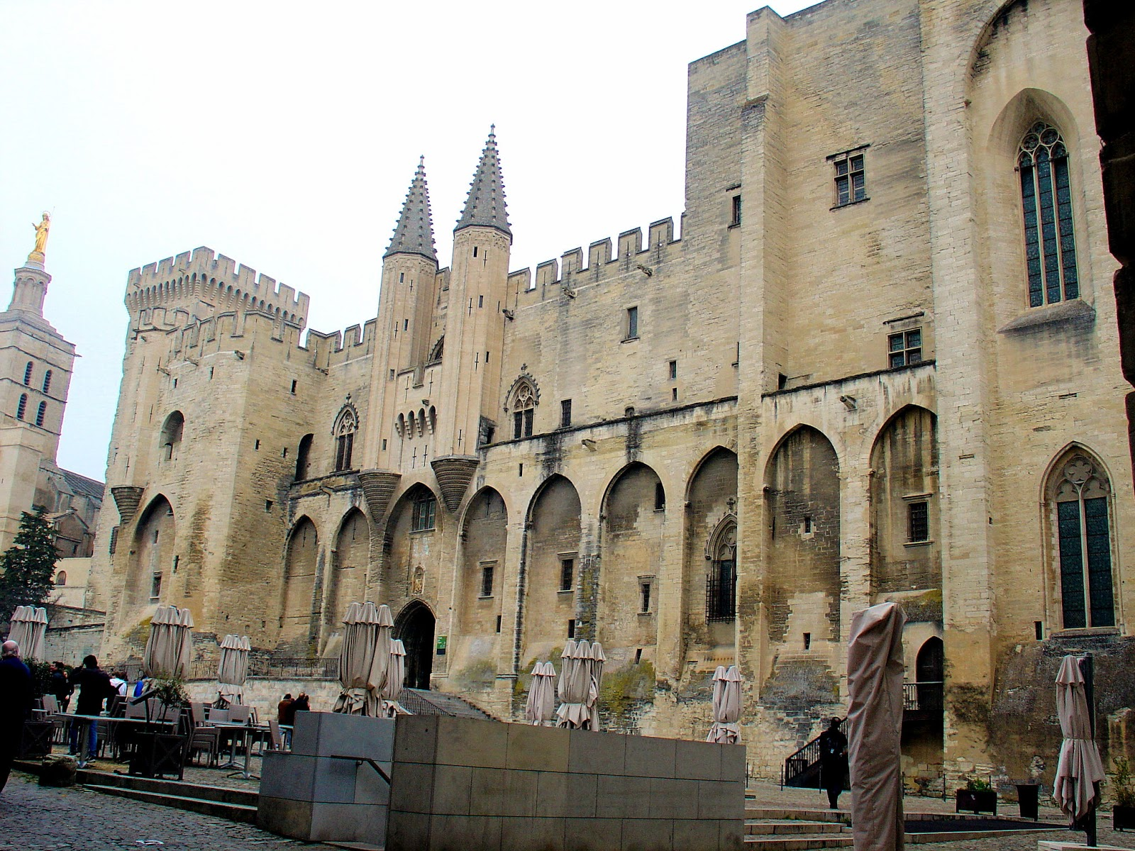 Welcome to the Palais des Papes or Palace of the Popes in Avignon, France. All photography unless noted is the property of the EuroTravelogue™. Unauthorized use is prohibited.