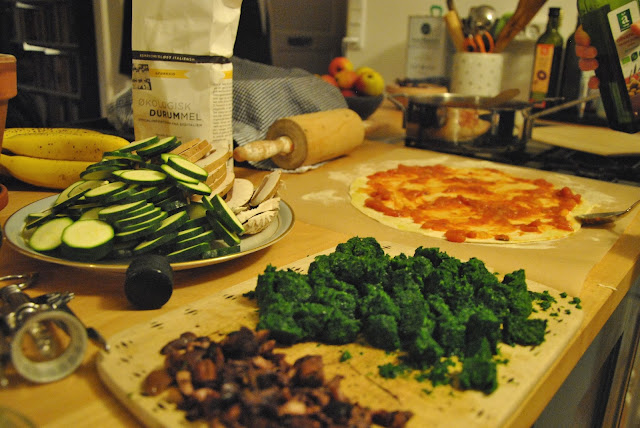 Pizzabelag - Zucchini, Pilze, Spinat, Oliven