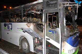 Forças Israelenses prendem 2 palestinos por apedrejar ônibus israelense, ferindo motorista