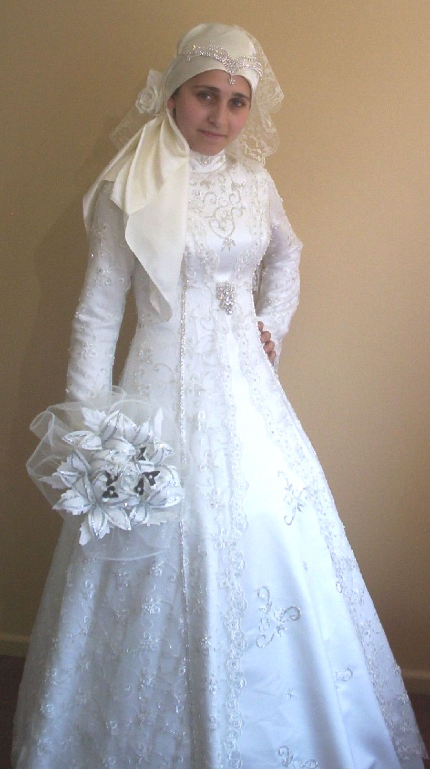 knitting models: hijab wedding dress models