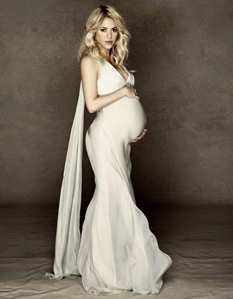 Shakira Bare Pregnant Photos and Images