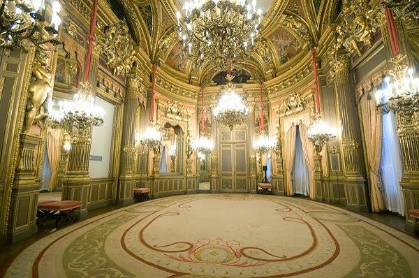 palacio de linares cibeles madrid hermanas bolena