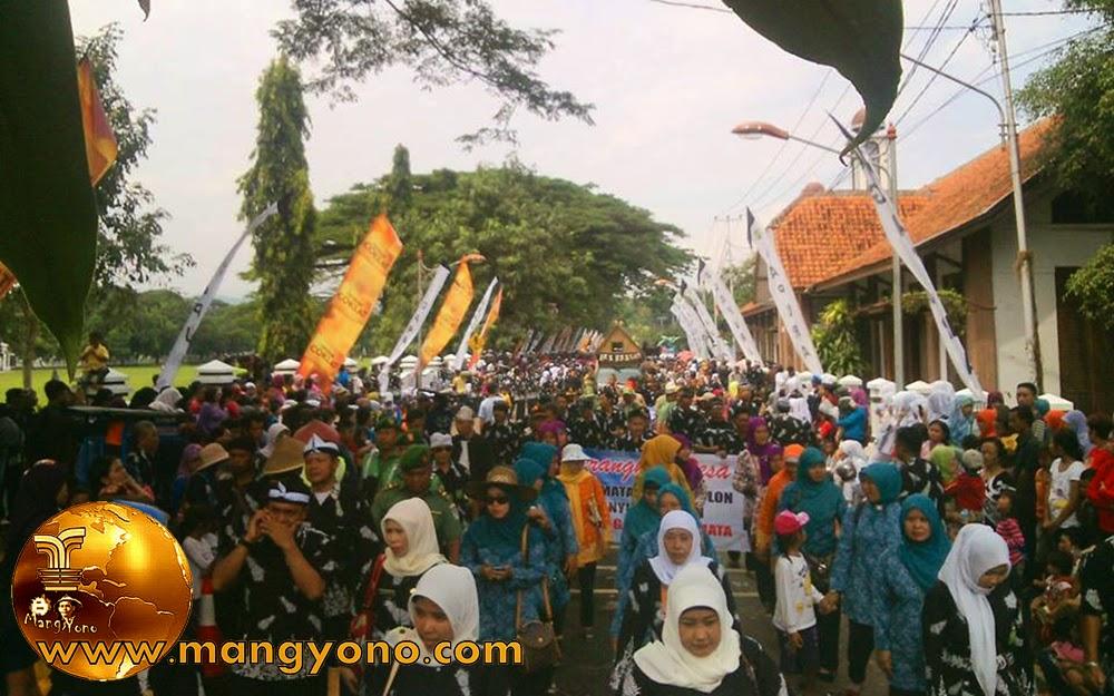 FOTO : Pawai alegoris Kabupaten Subang. Foto dari Mang Anwar Rudin, Facebooker Subang