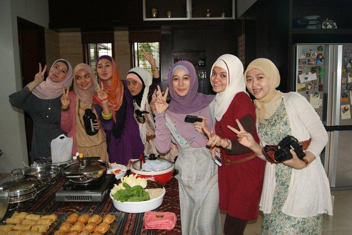 Komunitas Wanita Berjilbab Indonesia : Hijabers Community  cantik sopan  Eagle Technog