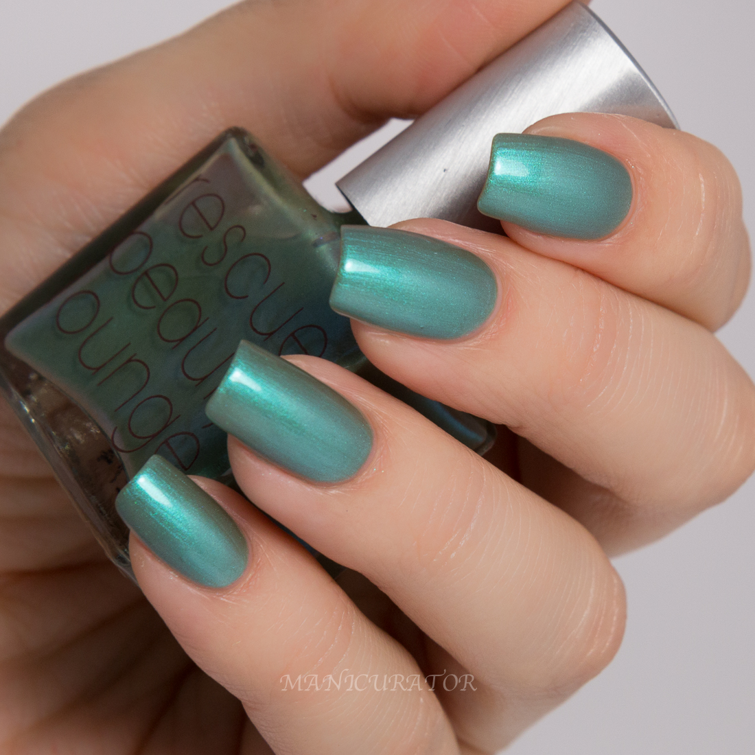 R29-Rescue-Beauty-Lounge-Galaxy-Glue