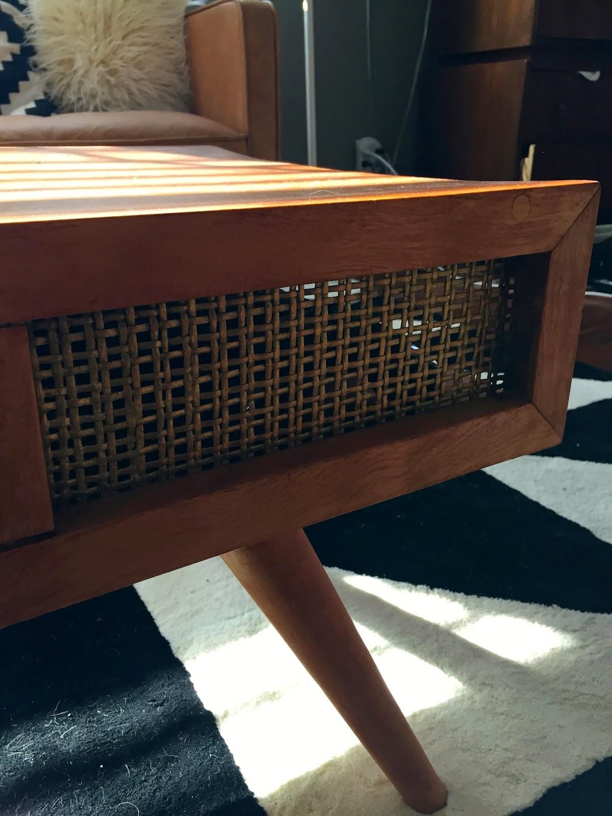loose shoelaces craigslist coffee table redo. Black Bedroom Furniture Sets. Home Design Ideas