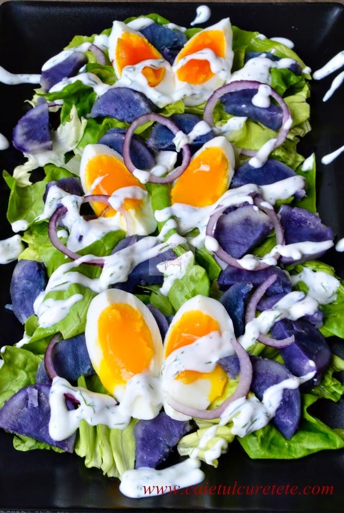 Salata cu cartofi violet si dressing de iaurt