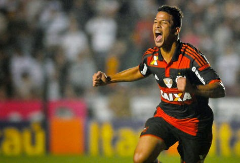 http://4.bp.blogspot.com/-0s_sA6ZH6K0/VDYApQg0nyI/AAAAAAAAwJA/-FWbHrQI-zI/s1600/nixon%2BFigueirense-Flamengo-Campeonato-Brasileiro-ValenteLANCEPress_LANIMA20141009_0005_53.jpg