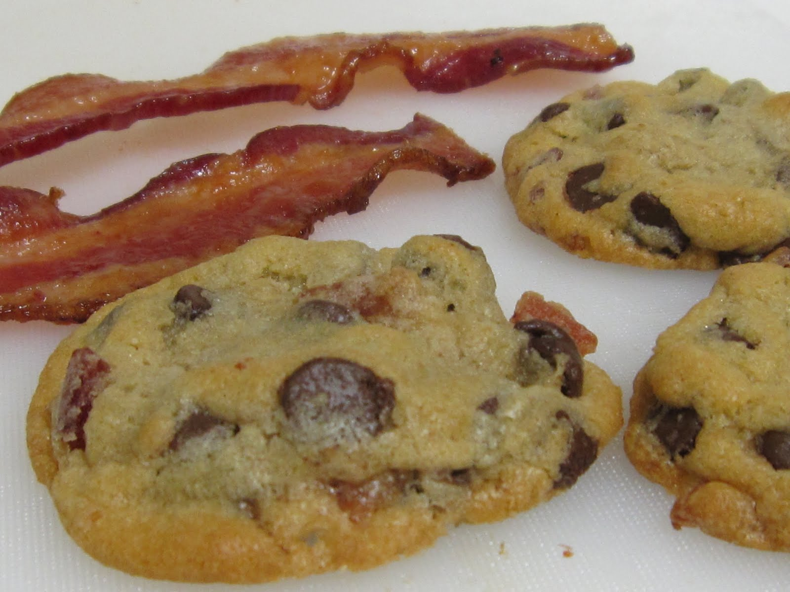 HANNAH IN THE KITCHEN: Bacon Chocolate Chip Cookies