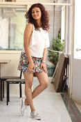 Seerat Kapoor New glam stills-thumbnail-7