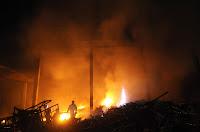 Kabun 12/1/13: Api menghanguskan rumah bapak Yuliardi di perumahan