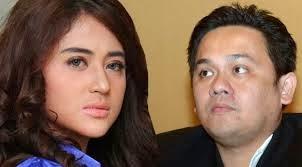 KUMPULAN FOTO DEPE VS FARHAT ABBAS TERBARU Dewi Persik VS Farhat Abbas
