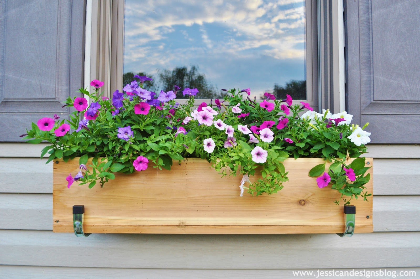 Flower Window Baskets : Jessicandesigns diy window flower boxes