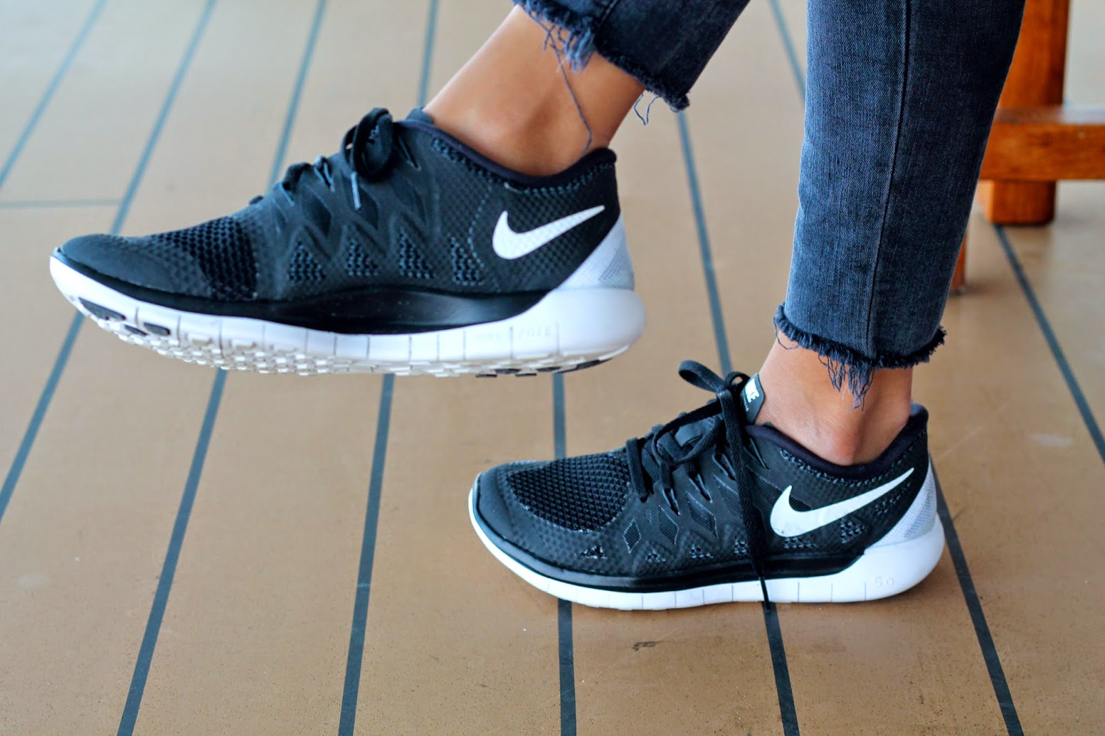nike free shoes, casual friday look, jbrand jeans, how to wear sneakers