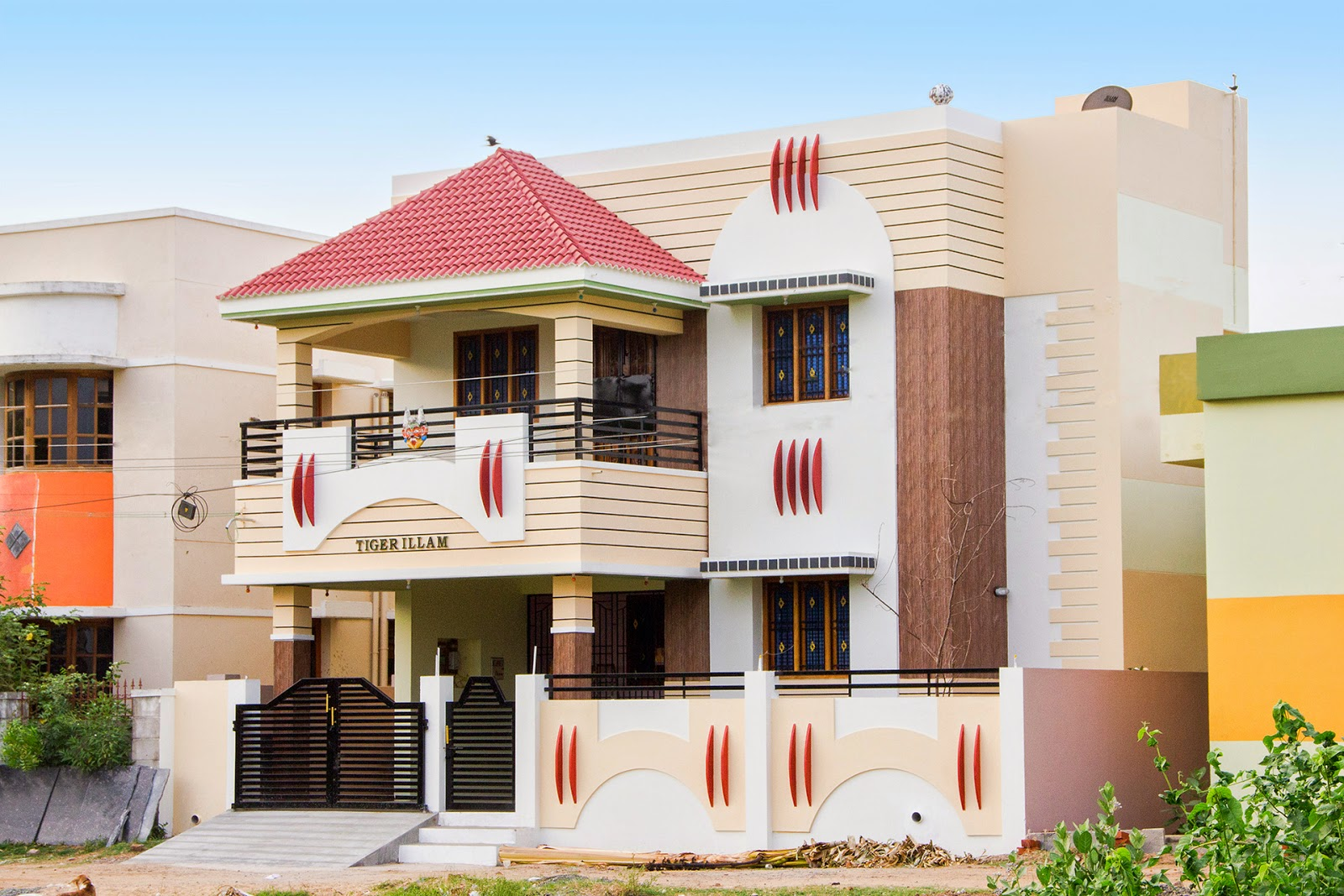 India villa elevation in 3440 kerala home design for Indian home front design
