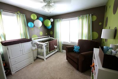 habitación bebé verde marrón