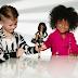 Após 56 anos, Mattel lança comercial com menino brincando de Barbie