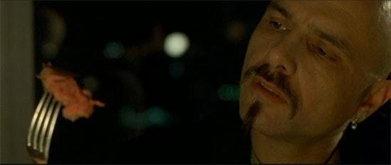 Cypher (Judas) entrega a Neo