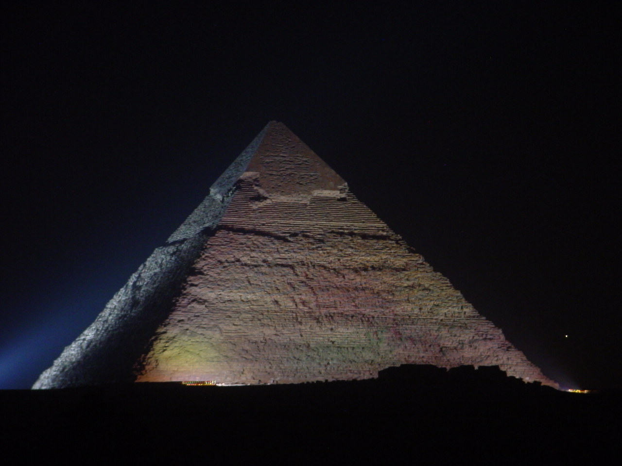 pyramids tombs Egyptian royal tombs  the complete pyramids, solving the ancient mysteries, by mark lehner [thames and hudson, 1997], which does for the pyramids,.